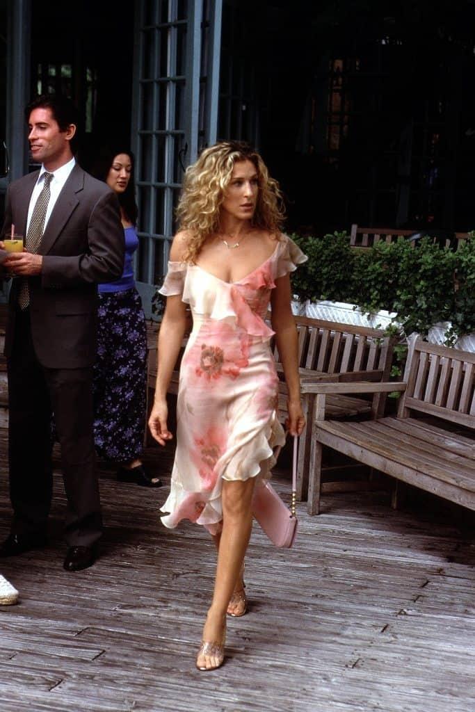 10 Carrie Bradshaw Dresses That Make Us Go Wow 1