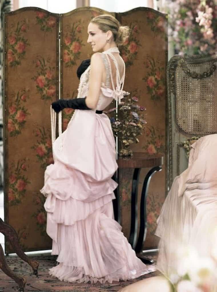 10 Carrie Bradshaw Dresses That Make Us Go Wow 8