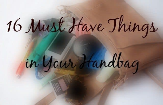 16 Must have things in your hand bag (7)