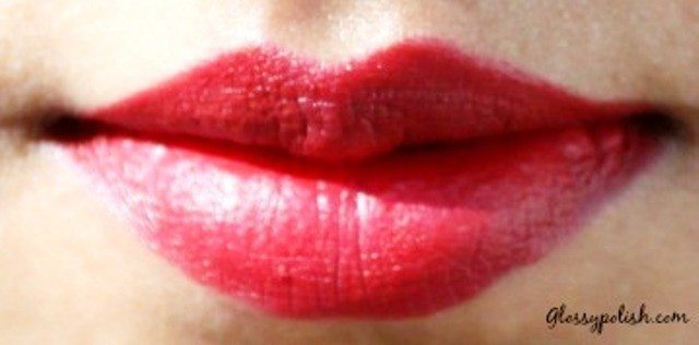 Mac Russian Red Lipstick Lip Swatch daylight