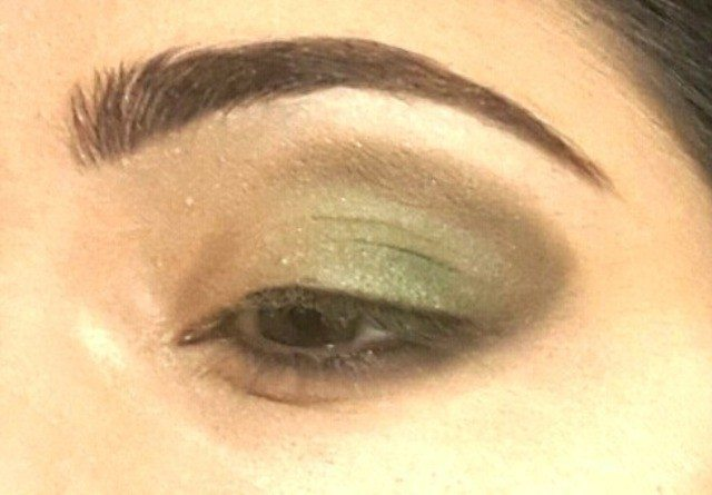 Gold and Green Smoky Eye Party Look Tutorial 7