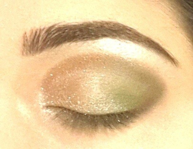 Gold and Green Smoky Eye Party Look Tutorial 8