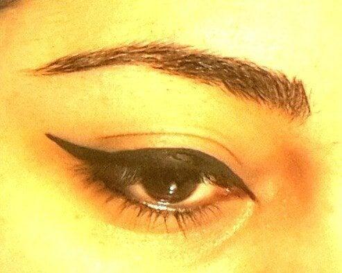 Easy Winged Eye Liner Tutorial 5