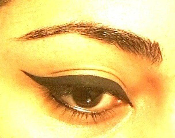 Easy Winged Eye Liner Tutorial 6