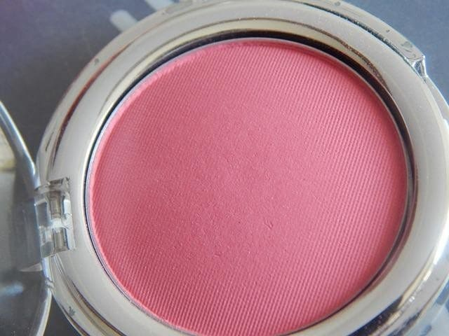 The Body Shop All in One Cheek Color Guava Review 3