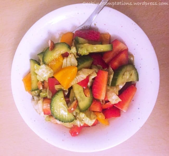 Strawberry Salad with Balsamic Dressing !Om Nom Nom ;) 2