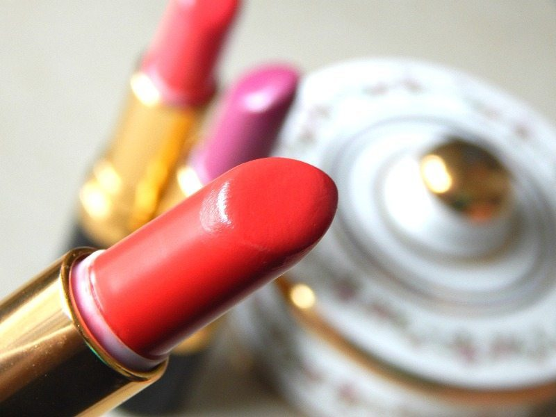 Revlon Super Lustrous Lipstick Shine In Pink Sizzle, Berry Couture, Rich Girl Red Review and Swatches