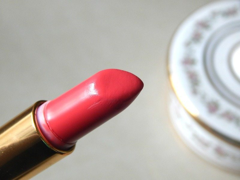 Revlon Super Lustrous Lipstick Shine In Pink Sizzle, Berry Couture, Rich Girl Red Review and Swatches 10