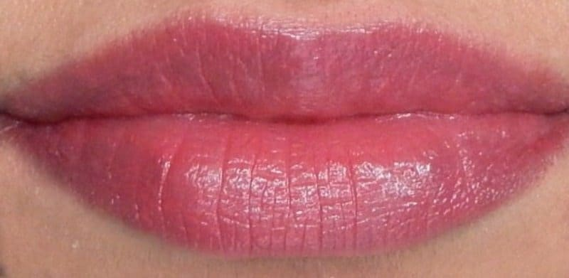 Revlon Super Lustrous Lipstick Shine In Pink Sizzle, Berry Couture, Rich Girl Red Review and Swatches 1