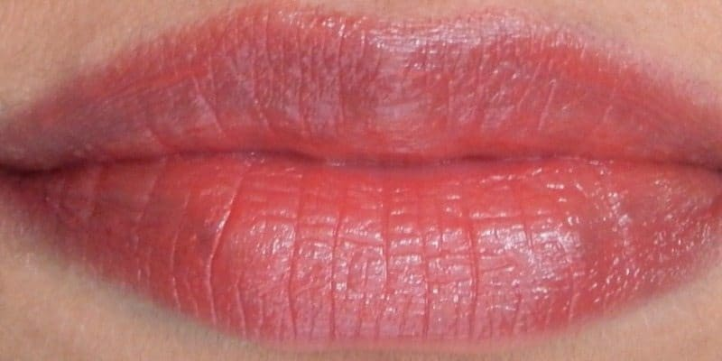Revlon Super Lustrous Lipstick Shine In Pink Sizzle, Berry Couture, Rich Girl Red Review and Swatches 2