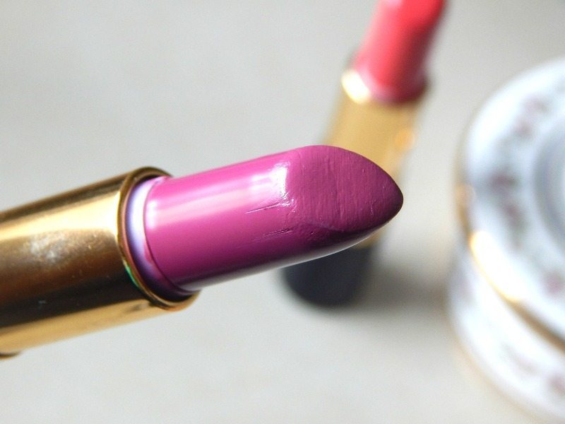 Revlon Super Lustrous Lipstick Shine In Pink Sizzle, Berry Couture, Rich Girl Red Review and Swatches 4