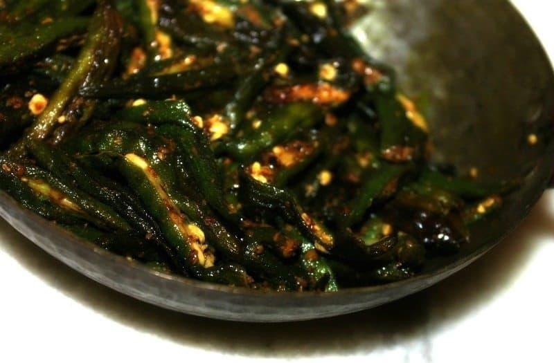 khatti bhindi recipe okra Indian style 3