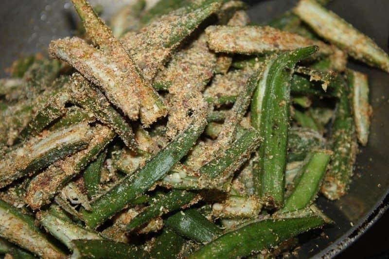 khatti bhindi recipe okra Indian style 4
