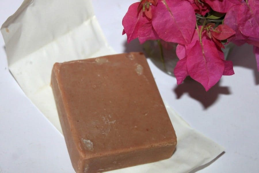 Forest Essentials Luxury Butter Soap Sandalwood & Vetiver Review 4