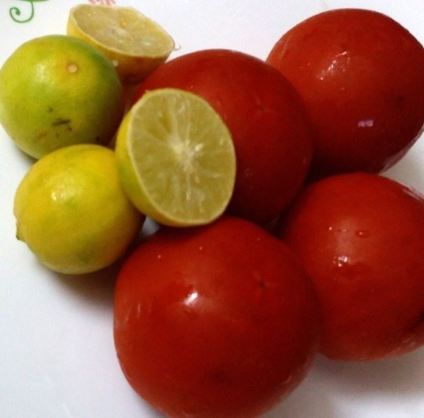DIY Tomato Toner - Exfoliate and Brighten Skin at Home Naturally