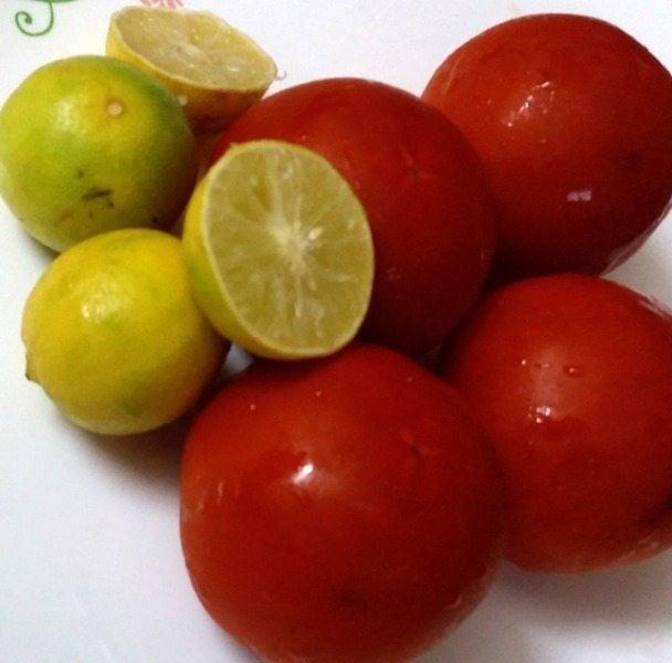 DIY Tomato Toner - Exfoliate and Brighten Skin at Home Naturally