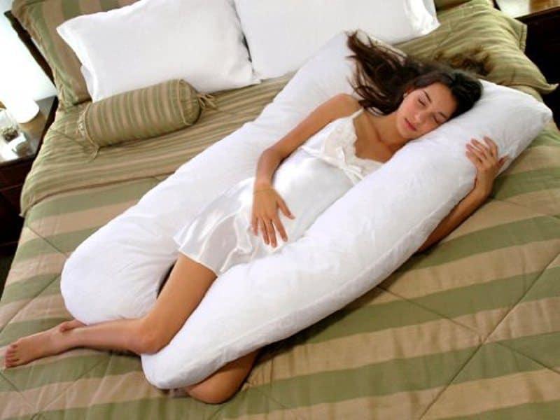 pregnancy sleeping positions 2