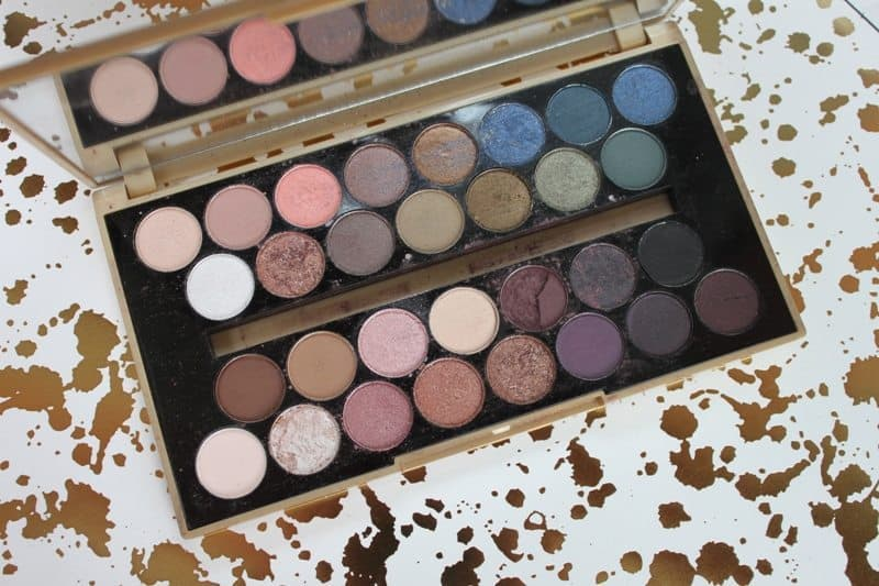 Makeup Revolution Fortune Favors The Brave Eyeshadow Palette 11