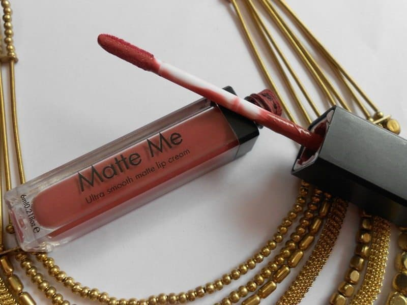Incolor Matte Me Ultra Smooth Matte Lip Cream 401 And 415 Review and Swatches 2