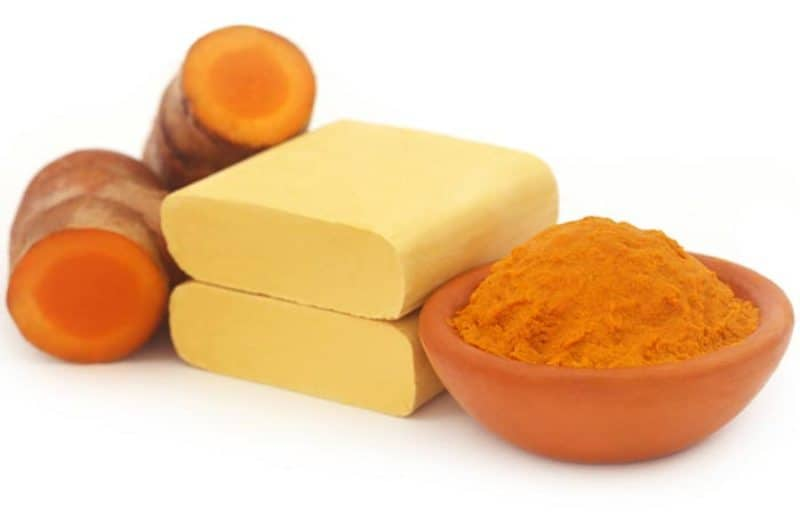 5 Amazing DIY Turmeric Masks for Flawless Skin !! 5