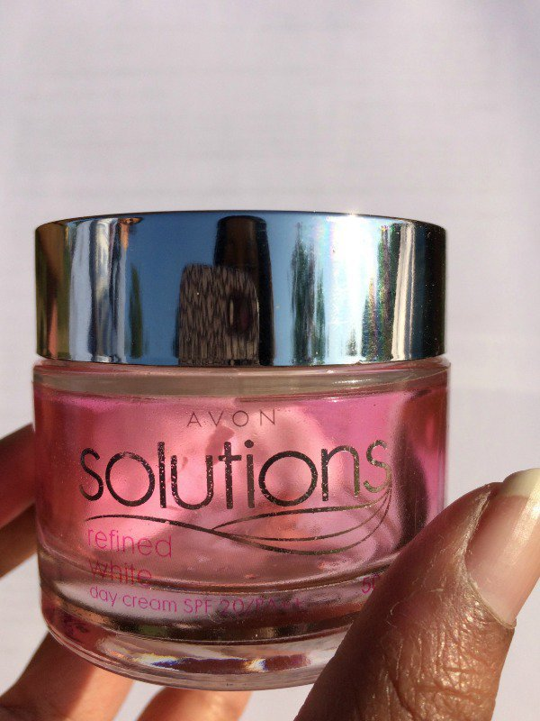 Avon Solutions Refined White Day Cream