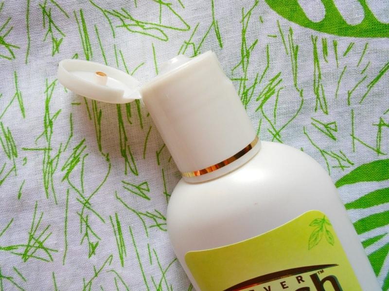 Ayush Anti Dandruff Neem Shampoo Review 2
