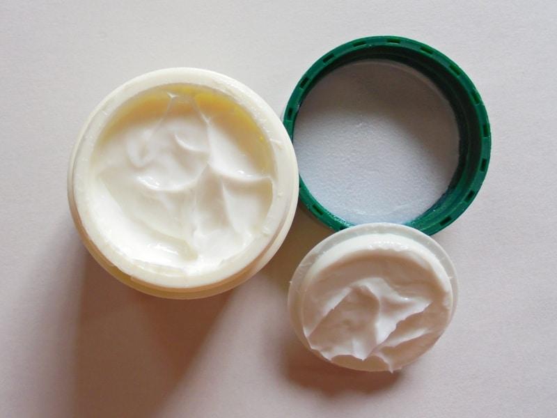 Biotique Bio Almond Soothing & Nourishing Eye Cream Review 2