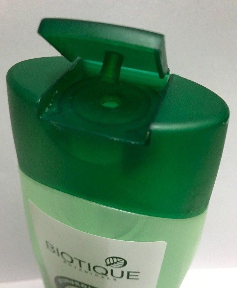 Biotique Botanicals Bio Margosa Anti-Dandruff Shampoo & Conditioner Review