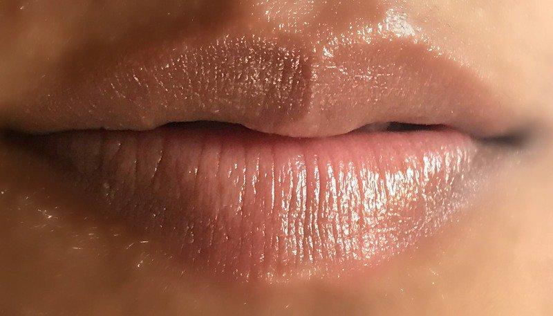 Biotique Lip Balm  Bio Aloe Vera Nourishing 4