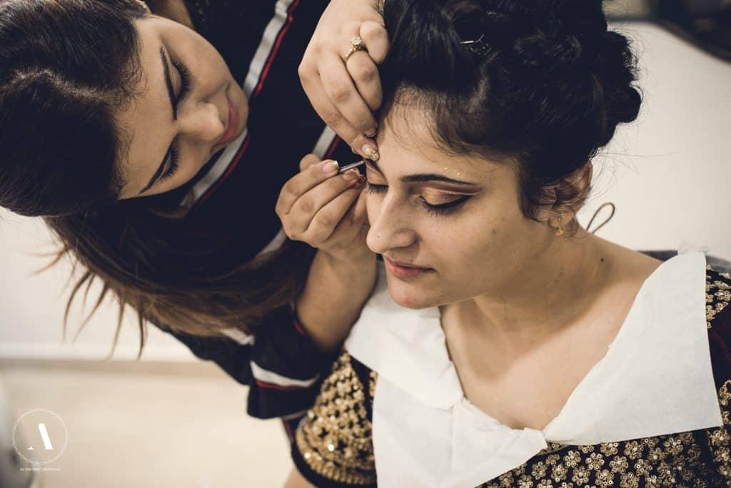 Bridal Makeup Tutorial 2017 : Bridal Makeup Trends in 2017 - for the Savy Bride ...
