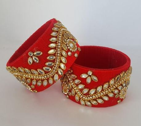 Kundan thread bangles