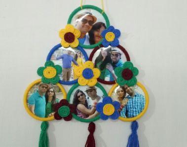 Hanging bangle photo frame