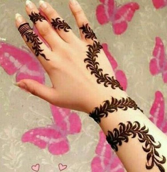 What are some really Easy Mehendi Designs for Girls? 2