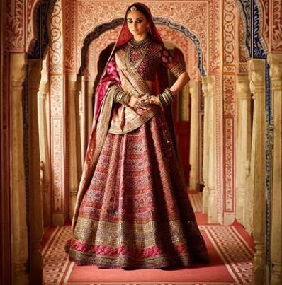 What are some Beautiful Sabyasachi Lehenga Designs 2019 ?