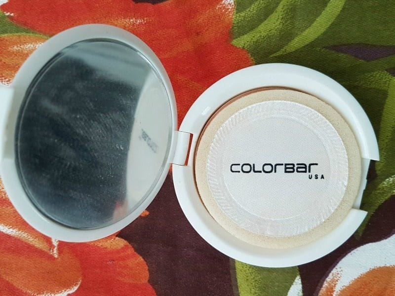 Colorbar Radiant White UV Fairness Powder Compact 1