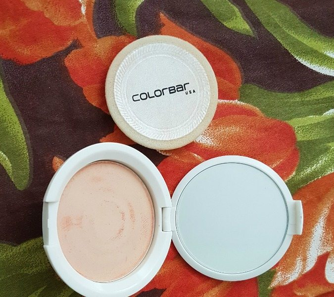Colorbar Radiant White UV Fairness Powder Compact 2