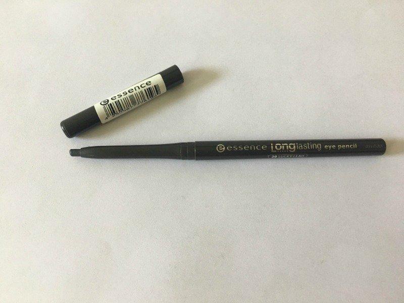 Essence Eyeliner Lucky Lead 1