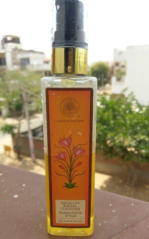 Forest Essentials Delicate Facial Cleanser Kashmiri Neem and Saffron
