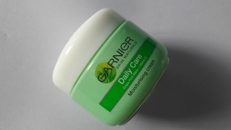 Garnier Skin Naturals Daily Care Moisturising Cream with Grapefruit and Vitamin E 1