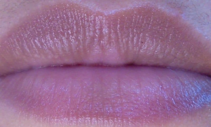 Himalaya Herbals Litchi Shine Lip Care Review 6
