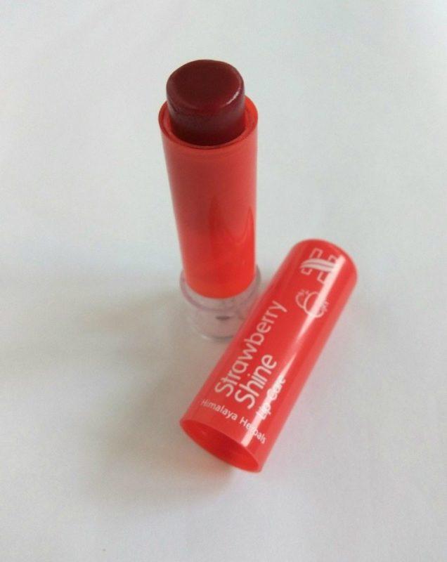 Himalaya Strawberry Shine Lipcare Review 2