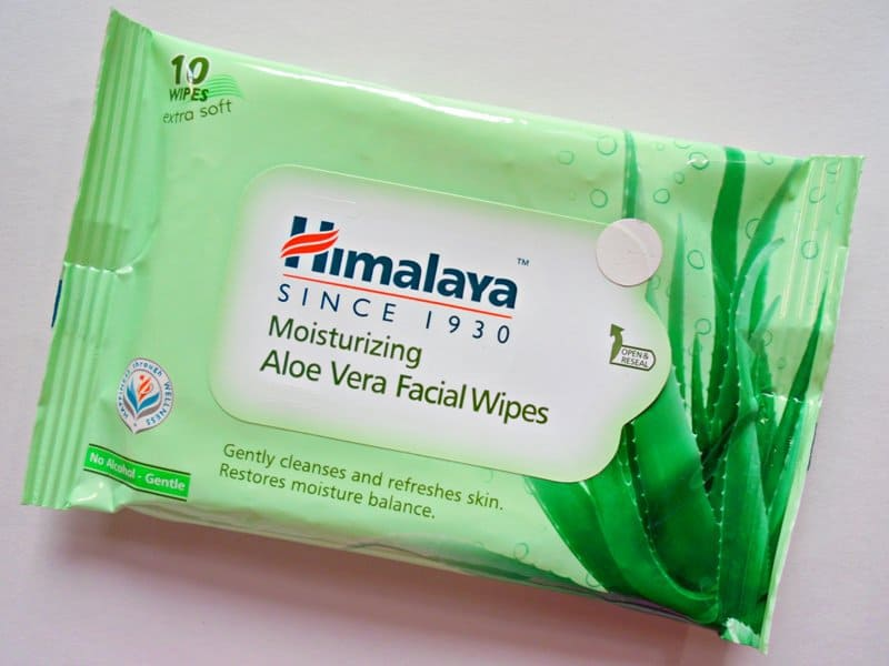 Himalaya Wipes : Moisturizing Aloe Vera