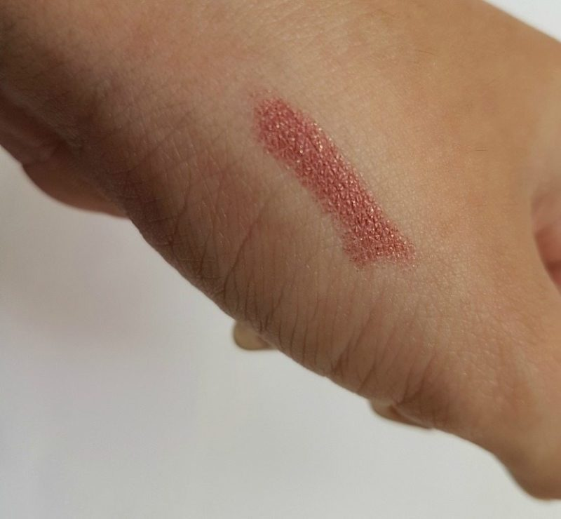 Lakmé Absolute Illuminating Lip Shimmer Bronze Flake 2