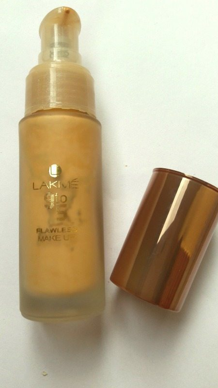 Lakme 9 to 5 Flawless Makeup Foundation Review 1