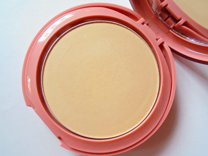 Lakme Foundation For Oily Skin 9 To 5 Primer Matte