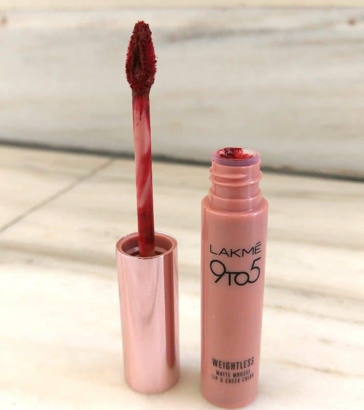 Lakme 9 to 5 Weightless Matte Mousse Lip and Cheek Color Burgundy Lush Review 1