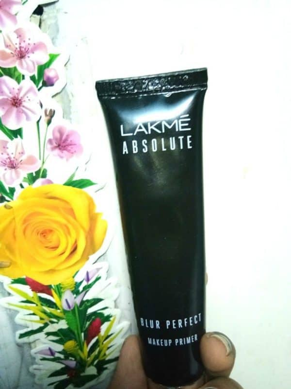 Lakme Absolute Blur Perfect Makeup Primer Review 1