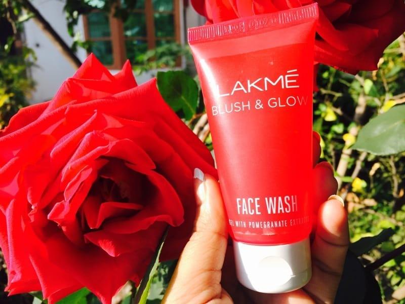 Lakme Blush & Glow Gel Face Wash Pomegranate