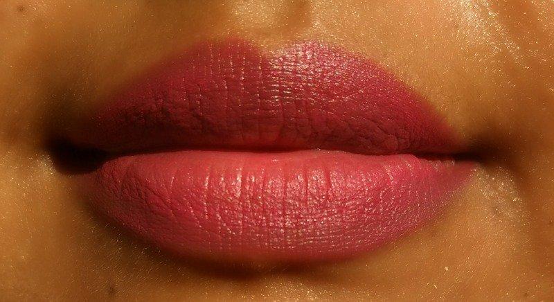 Lakme Enrich Satin Lipstick P135