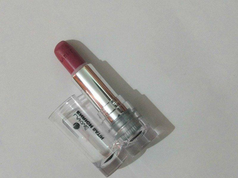 Lakme Enrich Satin Lipstick P135 1